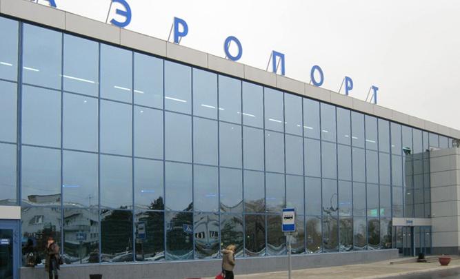 Туристы из Казахстана, застрявшие в омском аэропорту, отправились домой
