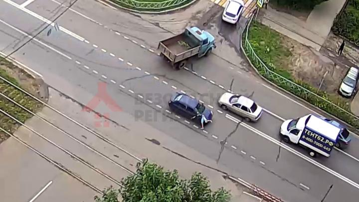 В Ярославле иномарка сбила 14-летнего подростка. Видео