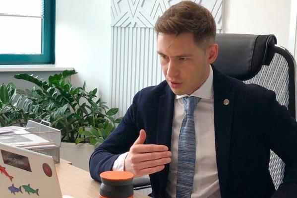 Управляющий ростовским отделением Сбербанка Руслан Салимов откровенно ответил на вопросы журналистов