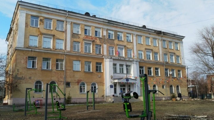 Учёным СибАДИ пришлось проверять качество ремонта в гимназии № 88 из-за сомнений родителей
