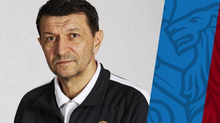 «Так в спорте бывает»: Юрий Газзаев уходит с поста тренера футбольного «Енисея»