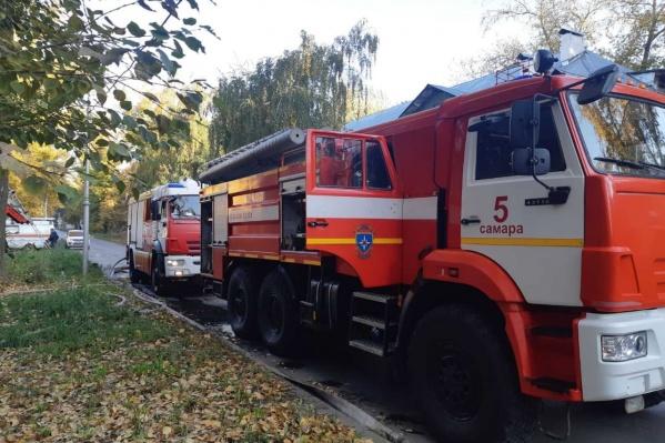 С огнем боролись 17 пожарных расчётов