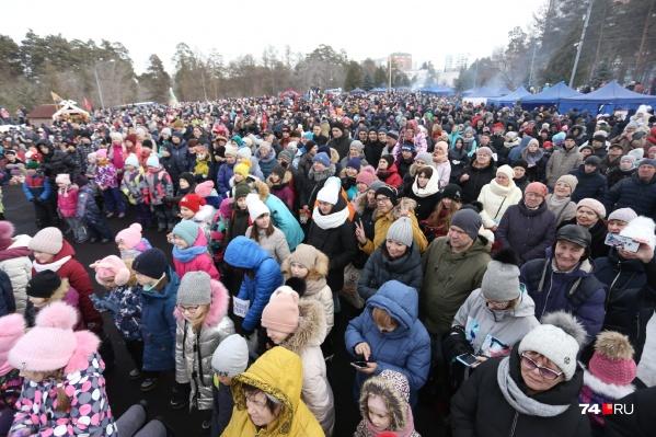Кажется, сегодня здесь собралась половина Челябинска