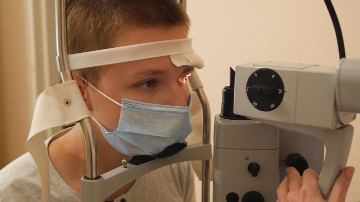 «Не знали, что ружьё заряжено»: челябинские врачи вернули зрение подростку, получившему ранение глаза