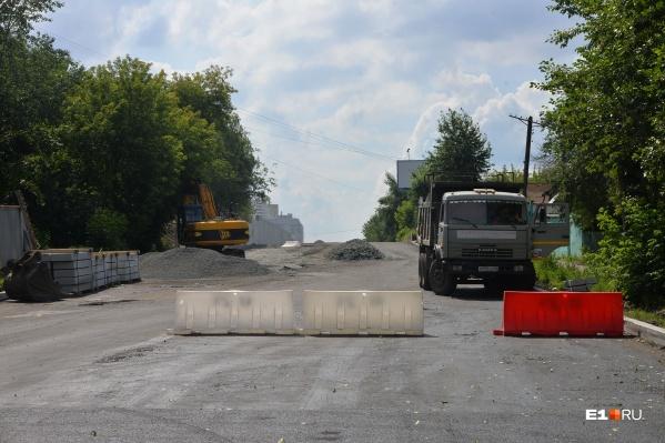 В проект сметы включено озеленение, ливневки, тротуары, установка остановочных комплексов