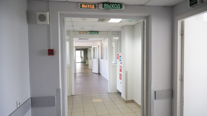В еще одной донской ЦГБ закончились места для больных COVID-19