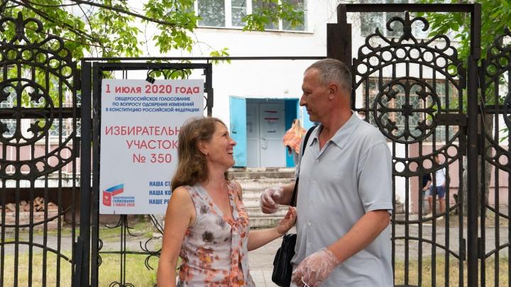 Как голосовали в Омске: фоторепортаж с избирательных участков