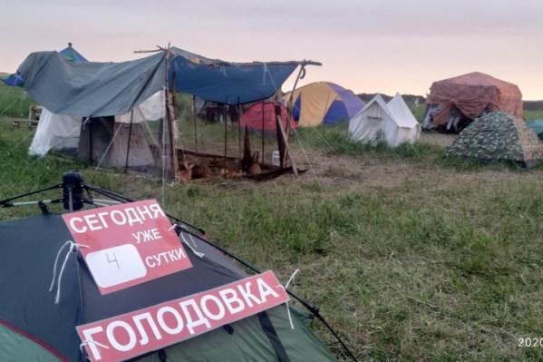 Кузбассовцы на протяжении двух месяцев протестовали против строительства углепогрузки у поселка Черемза