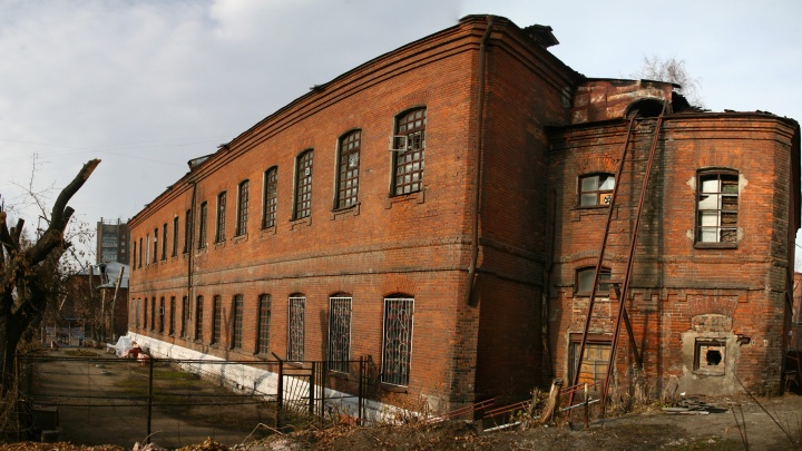 Коронавирус добрался до крупнейшей в Новосибирске психиатрической больницы