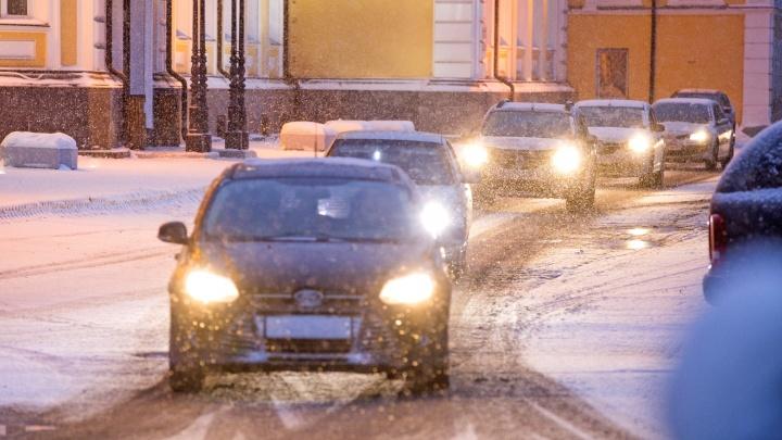 Дорогая ночь: операторы такси рассказали о повышении цен на поездки в Новый год