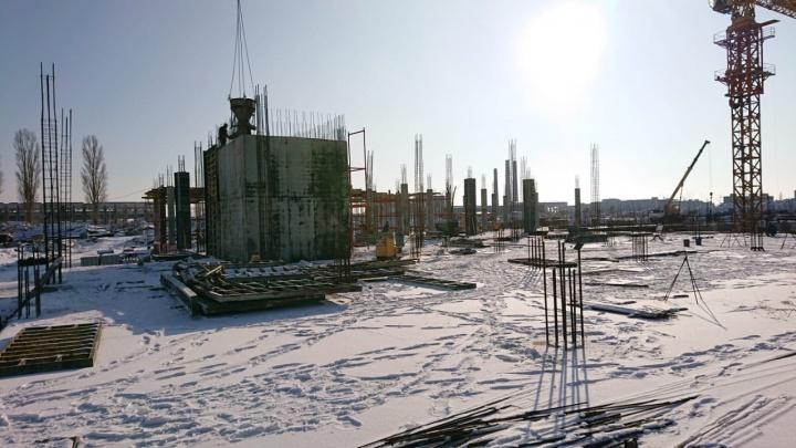 Недостроенный на месте Тракторного завода торговый центр могут оштрафовать на 500 тысяч рублей