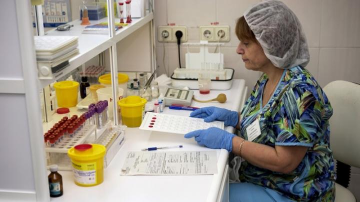 В Омске начали делать платные тесты на иммунитет к коронавирусу