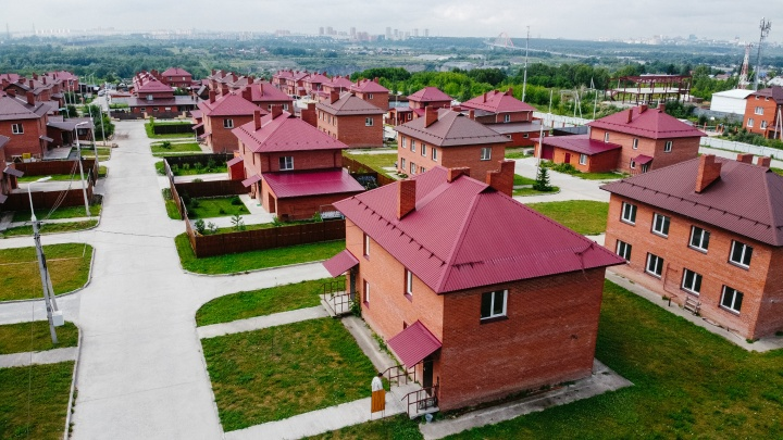 Готовые коттеджи 120 квадратных метров в 5 минутах от речного вокзала продают по цене квартиры