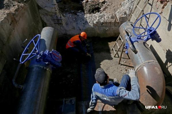 Воду жителям домов отключат на 23 часа