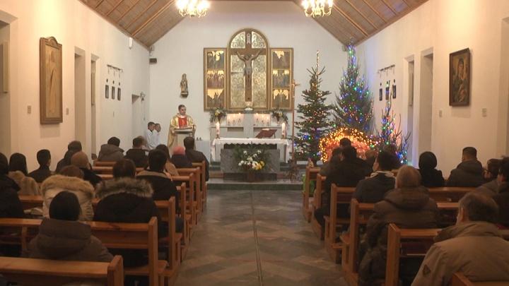 Все в масках: уральские католики встретили Рождество