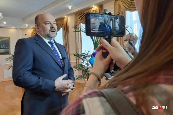 Орлов сообщает о своей отставке