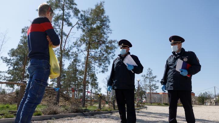По границе Ярославской области выставили посты: полицейские тормозят водителей