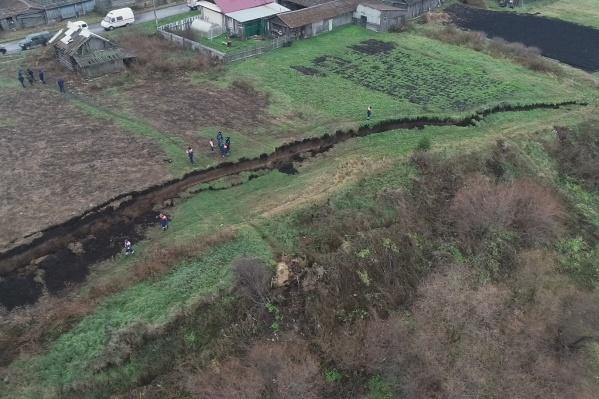 Зона оползня составила больше сотни метров