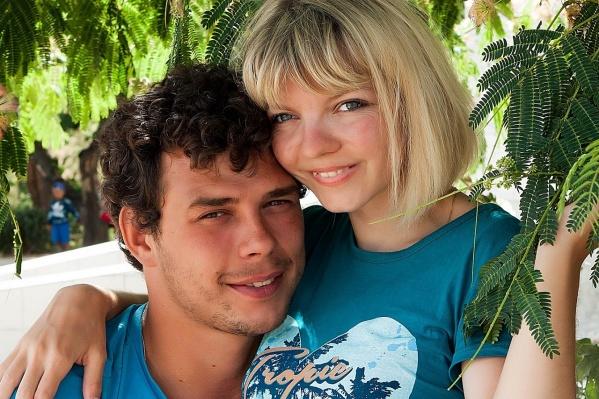 Александр и Марина познакомились, когда у обоих был трудный период. Впоследствии их дружба переросла в любовь