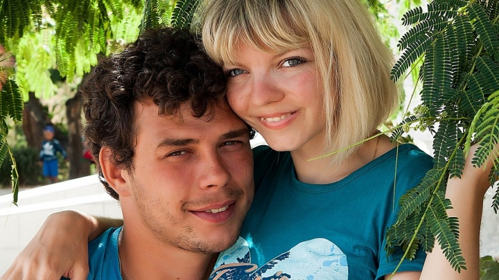 Певица с ДЦП из Добрянки организовала благотворительный концерт для помощи незнакомцу из Петрозаводска — теперь они пара