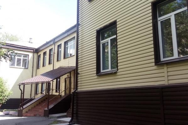 Женская консультация ГКБ № 11 находится в Ленинском районе Челябинска