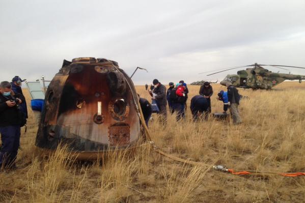 Экипаж корабля приземлился в Казахстане