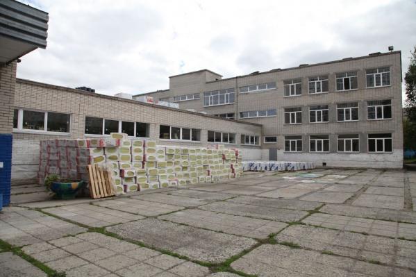Ремонт этой школы обходится в 50 миллионов рублей