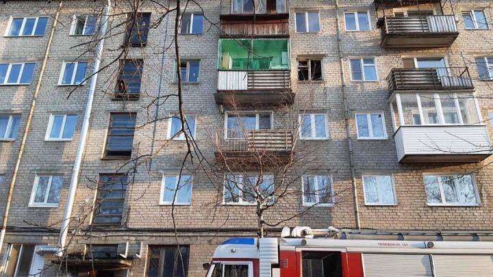 В Перми на пожаре в хрущевке погиб мужчина. Эвакуировали десять человек