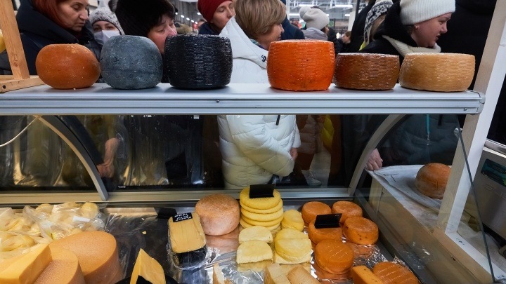 В Самаре еще у одного торговца нашли почти 100 кг санкционного сыра из Европы