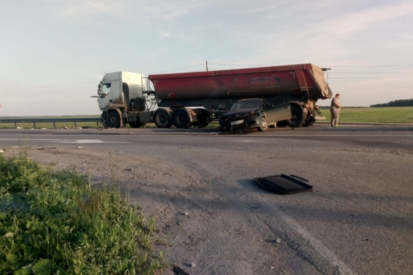 ДТП произошло на повороте к поселку Гагарскому, где на прошлой неделе случилось еще одно ДТП