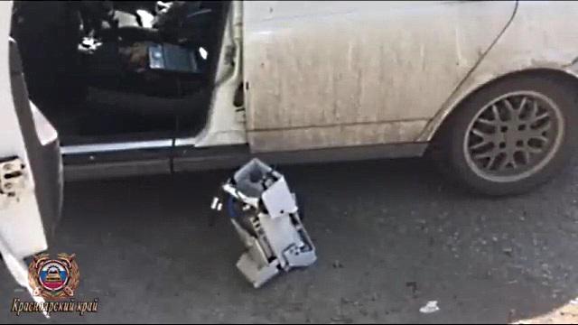 После ссоры с женой водитель поехал крушить камеры видеофиксации на трассе и избивать операторов