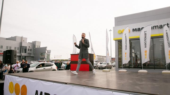 А для кого-то год счастливый: покупатель МаслоMart выиграл автомобиль в акции от «ЛУКОЙЛ»