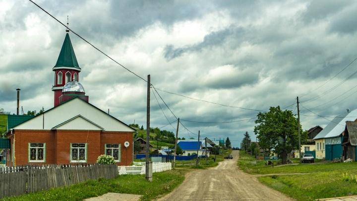 В Уинском жители двух микрорайонов почти неделю сидят без воды
