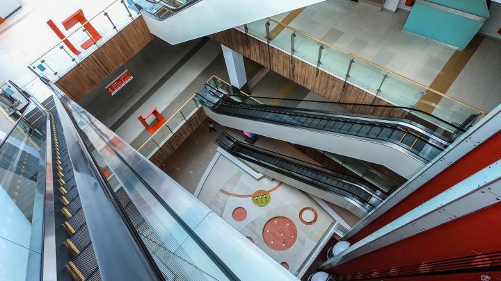 Необитаемая «Планета»: как выглядит торговый центр Уфы без людей