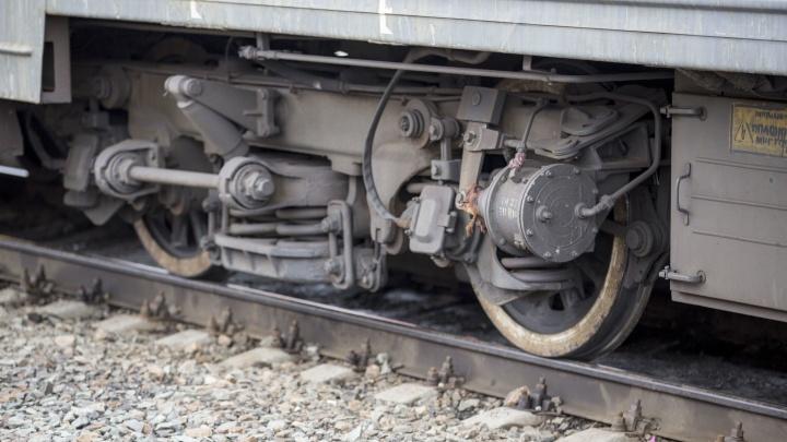 Поезд насмерть сбил мужчину на железнодорожной станции под Новосибирском