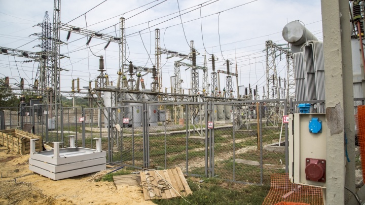 Вышла из строя подстанция: в Дзержинском районе Волгограда ликвидировали массовое отключение света