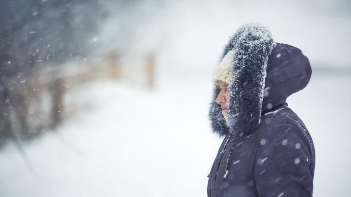 На Новосибирск идет настоящая зима с морозом и снегом