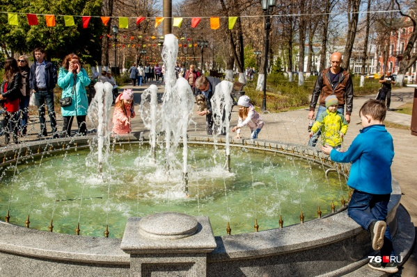 К пику жары открывают фонтаны