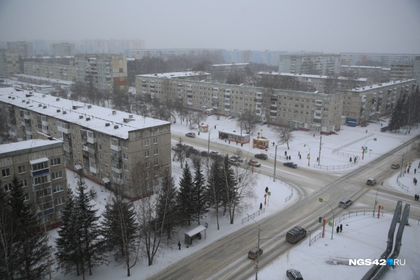По прогнозу синоптиков, снег будет идти минимум до вечера пятницы