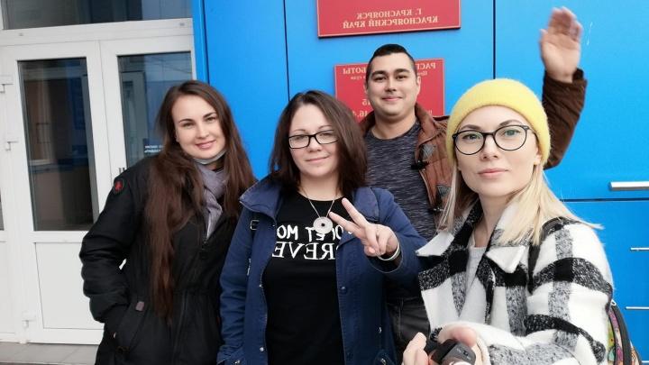 Координатора штаба Навального в Красноярске вызвали в суд за участие в одиночном пикете