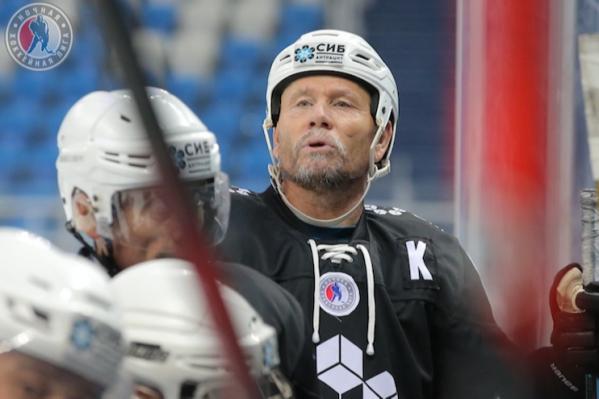 Хоккеисту было 57 лет