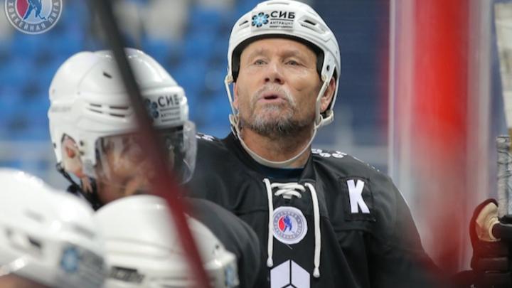 В Новосибирске хоккеист скончался во время тренировки