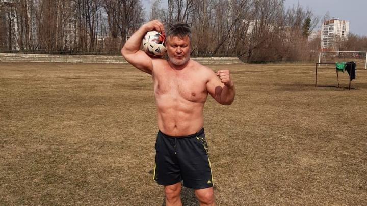 Тактаров обратился ко всем «бойцам и нормальным мужикам» с просьбой защищать бабушек от грабежей