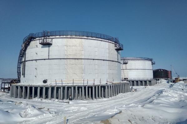 Основная продукция завода — резервуары для нефтегазовых компаний