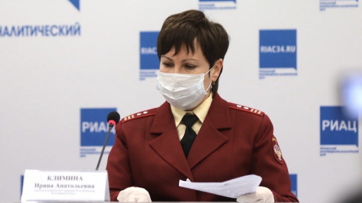 «Я не готова, я наизусть не знаю»: волгоградские выпускники могут сдавать ЕГЭ в перчатках и масках
