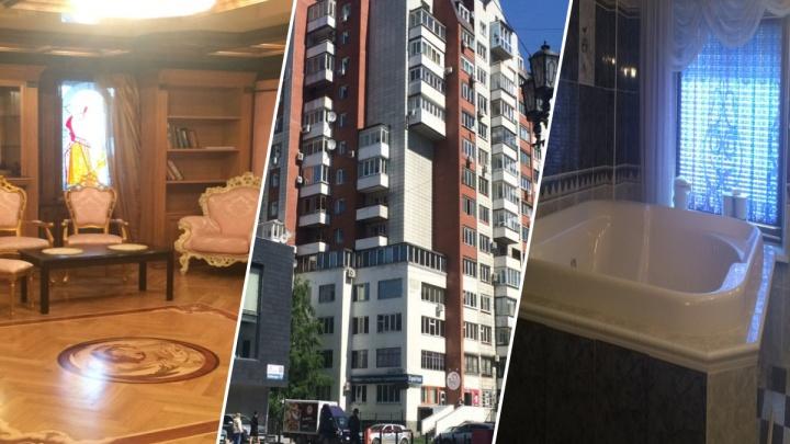 Дворец в обычном доме: в центре Екатеринбурга продают огромную квартиру с бассейном