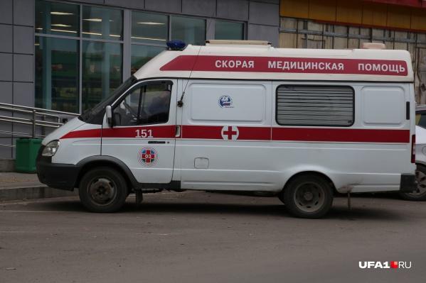 Пациенты поступают в больницы на скорых