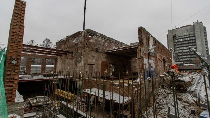 Театр Афанасьева хотят достроить в 2022 году — показываем, что сейчас происходит на месте реконструкции