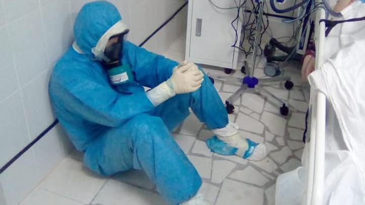 """Уфимский врач-реаниматолог завел онлайн-дневник коронавируса: «В """"красной"""" зоне — жесть»"""
