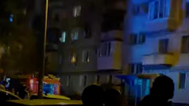 «Вылетели стекла и повалил черный дым»: в Тракторозаводском районе Волгограда на пожаре погиб мужчина